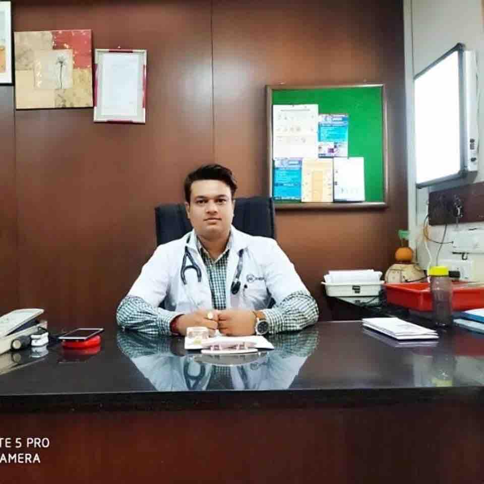 Dr. Fenil Majmundar's profile on Curofy