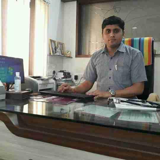 Dr. Vijay Chouhan's profile on Curofy
