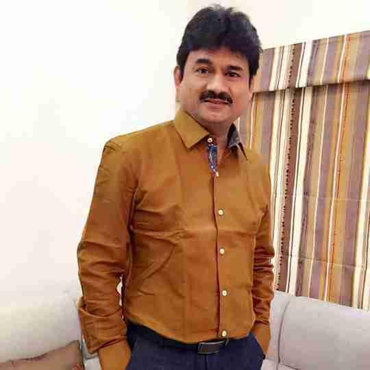 Dr. Yogesh Dholakia's profile on Curofy