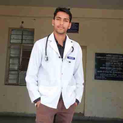 Dr. Daudayal Prajapat's profile on Curofy
