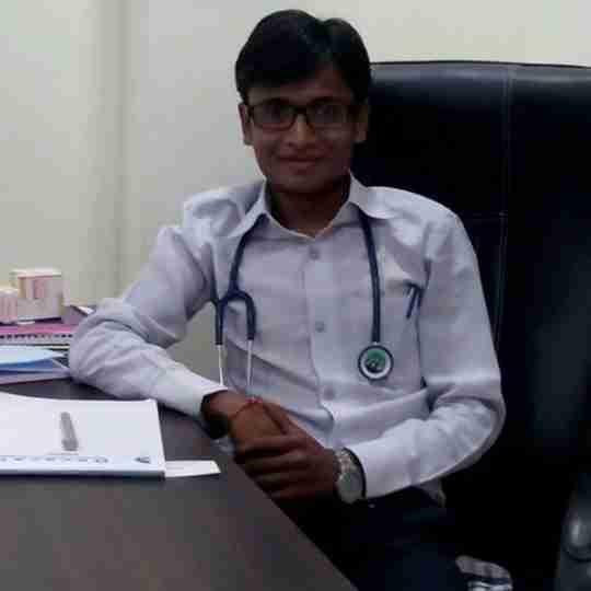 Dr. Mayur Makwana's profile on Curofy