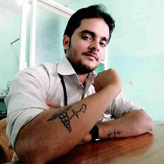 Dr. Rishi Tiwari's profile on Curofy