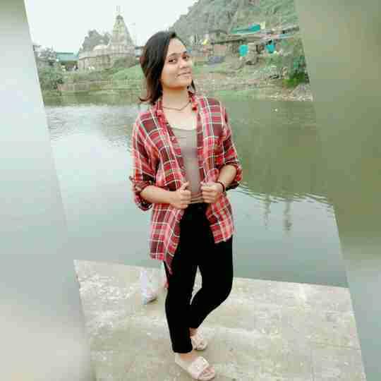 Surbhi Chauhan's profile on Curofy
