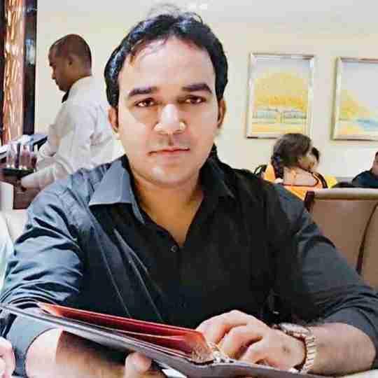 Dr. Amir Shah's profile on Curofy