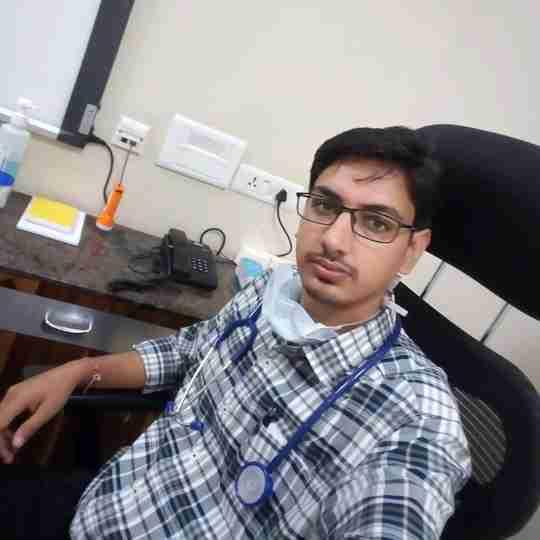 Dr. Gaurav Thakur's profile on Curofy