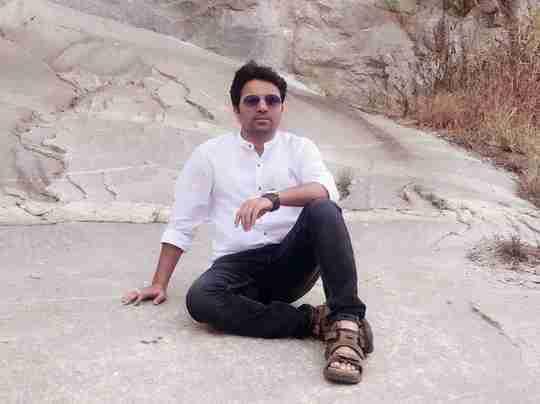 Dr. Santosh's profile on Curofy