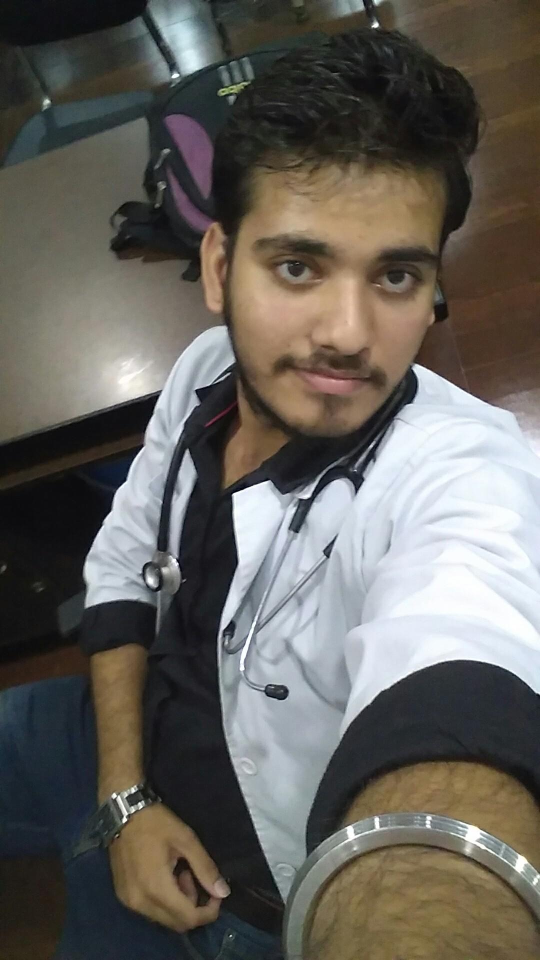 Dr. Vinay Sharma (Pt)'s profile on Curofy