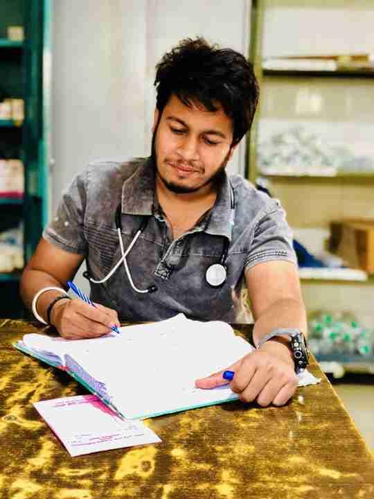 Dr. Shashank Gautam's profile on Curofy