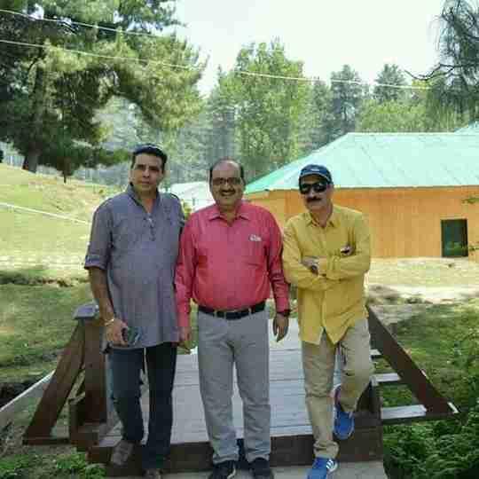 Dr. Rakesh Raina's profile on Curofy