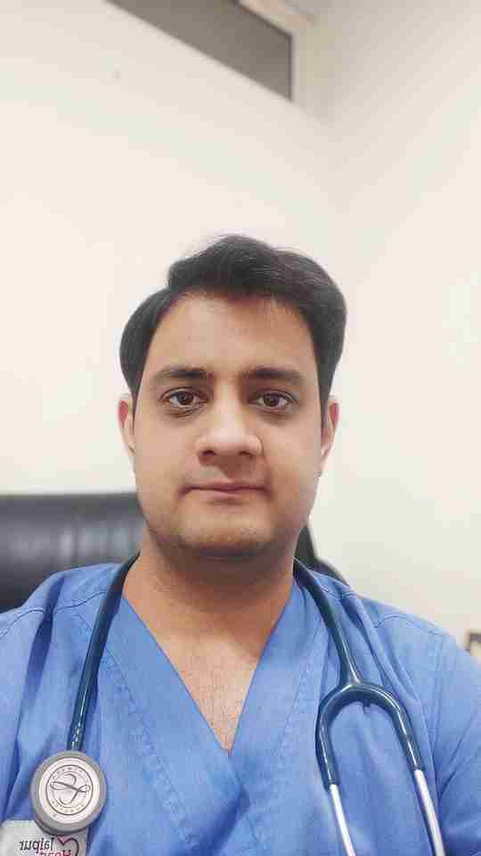Dr. Abhimanyu Uppal's profile on Curofy