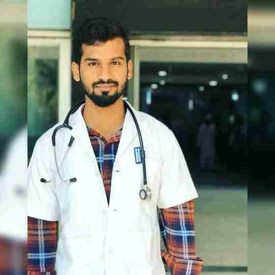 Dr. Ariz Khan Azmi's profile on Curofy