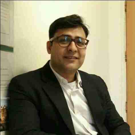 Dr. Vijay's profile on Curofy