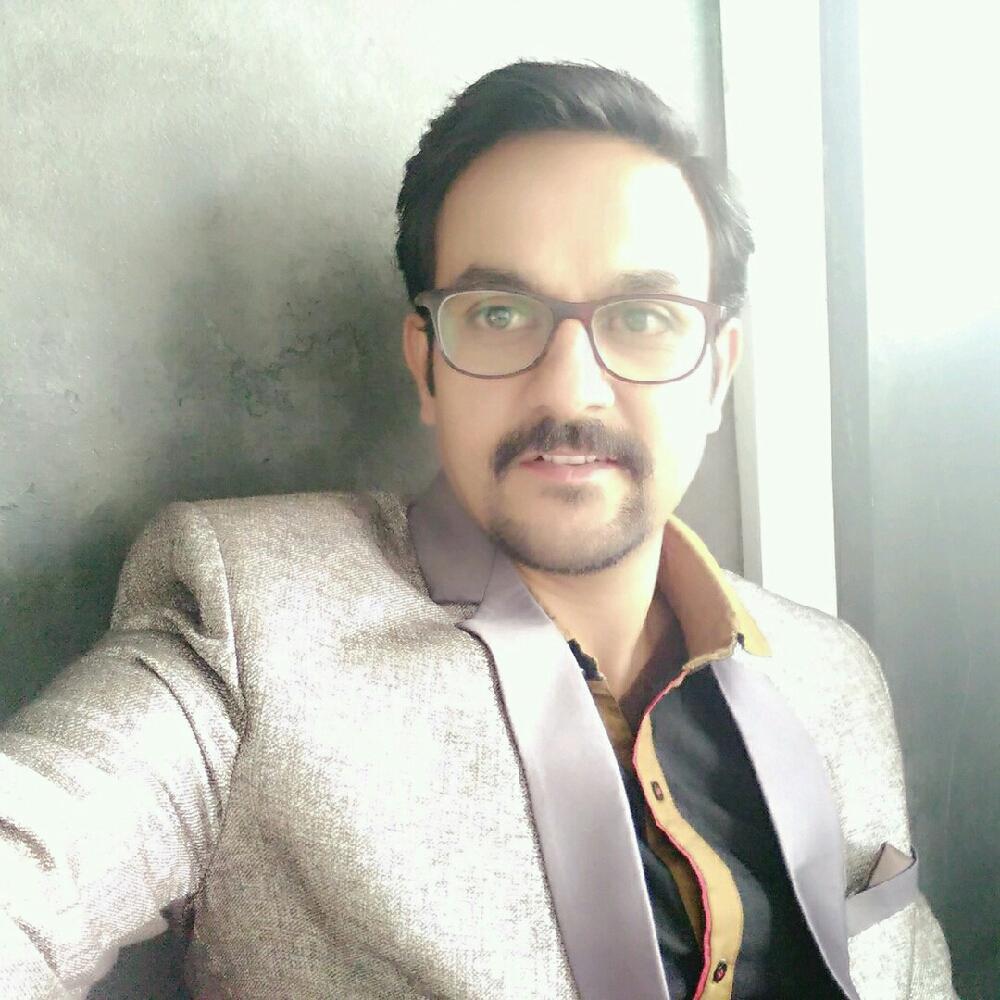 Dr. Surendragir Giri