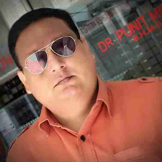 Dr. Punit Middha's profile on Curofy