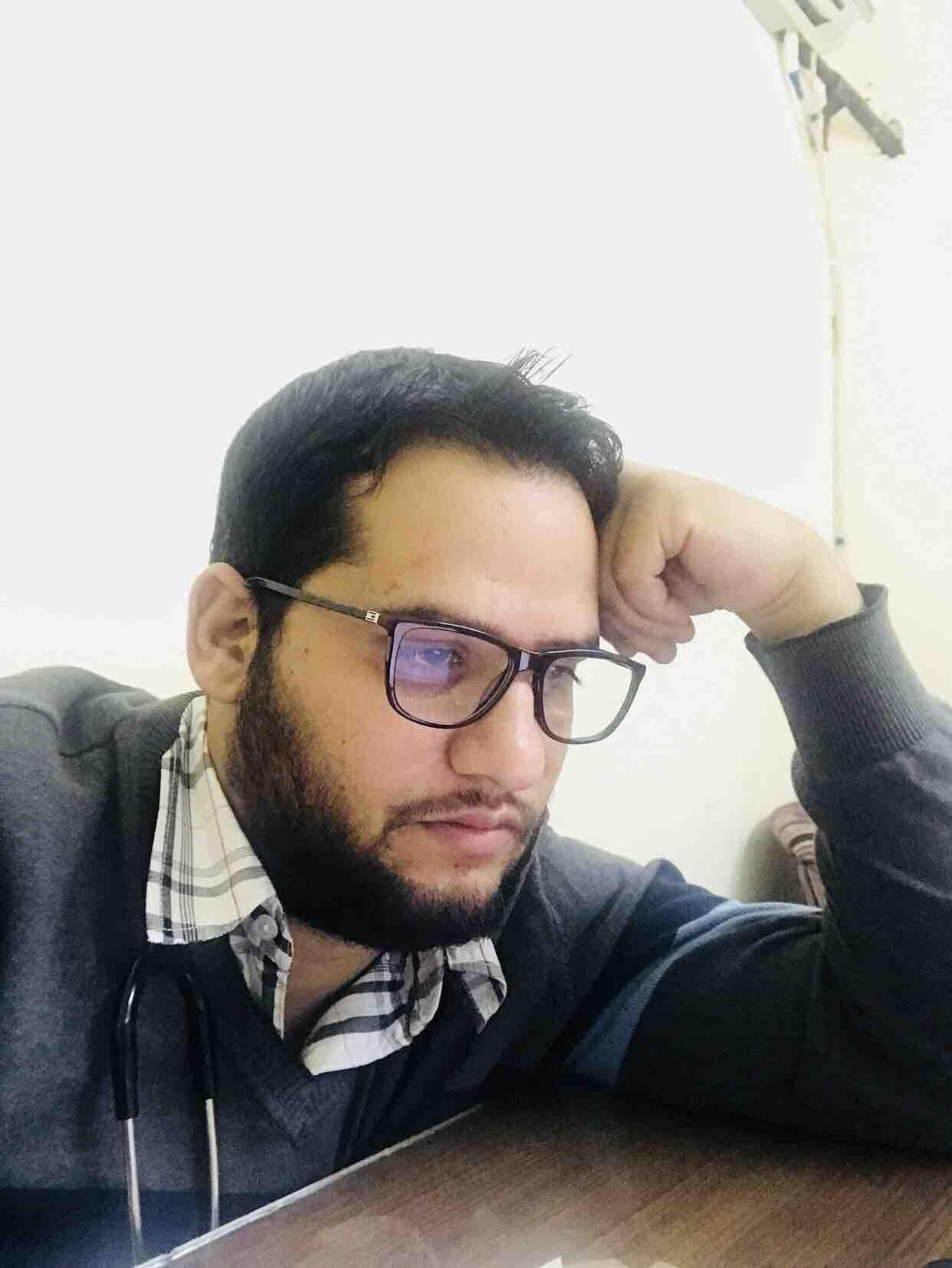 Dr. Mir Nadeem's profile on Curofy