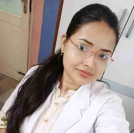 Dr. Swarnima Gangwar's profile on Curofy