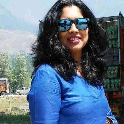 Dr. Aishwarya Jha's profile on Curofy