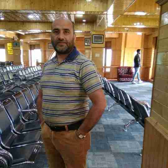 Dr. Ashaq Bhat's profile on Curofy