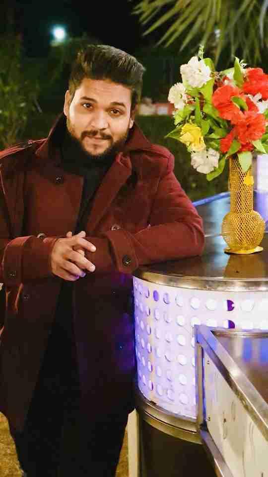 Dr. Monish Ahmad's profile on Curofy