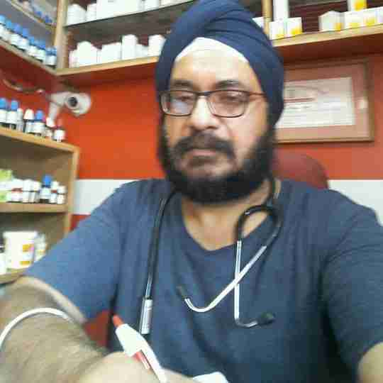 Dr. Paramjeet Singh Khurana's profile on Curofy