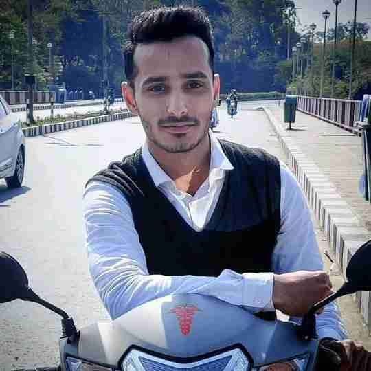 Dr. Amaan Khalique's profile on Curofy