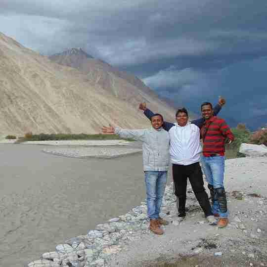 Dr. Ashish Yadav's profile on Curofy