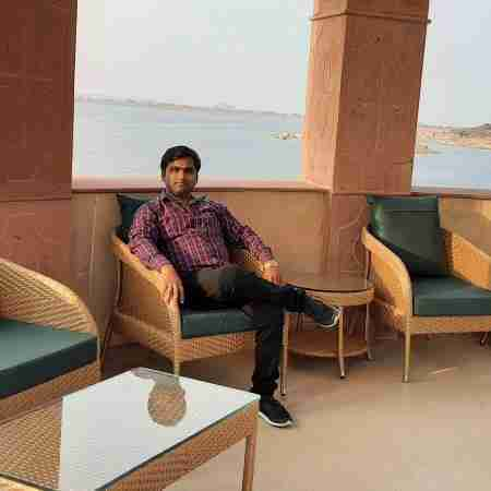 Dr. Ambar Khare's profile on Curofy