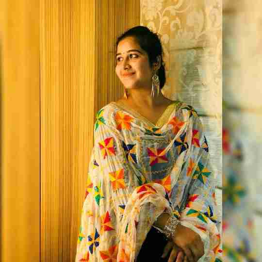 Dr. Riya Kumar's profile on Curofy