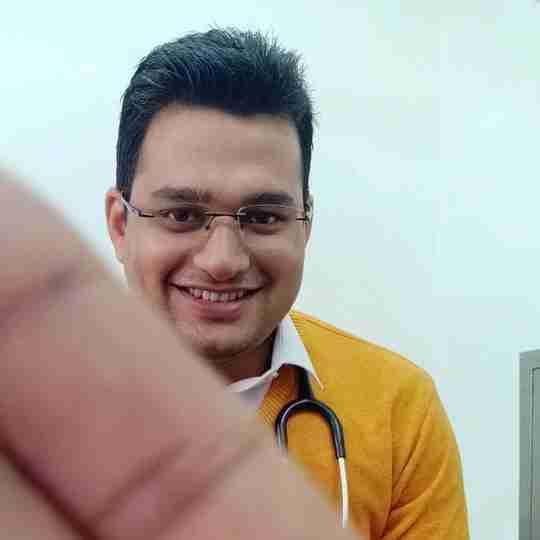 Dr. Deepak Shukla's profile on Curofy