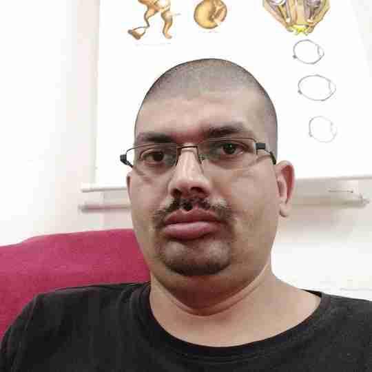 Avinash Tiwari's profile on Curofy