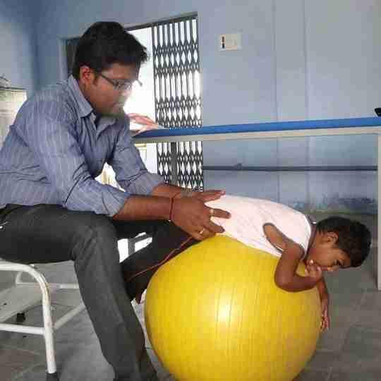Dr. Santhosh Tarak (Pt)'s profile on Curofy