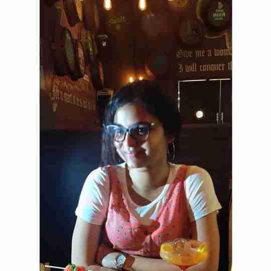 Dr. Abhilasha Bajaj's profile on Curofy