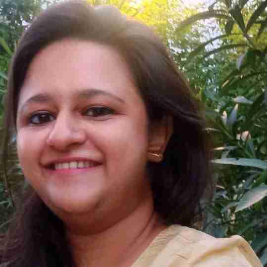 Dr. Pooja Laharia's profile on Curofy