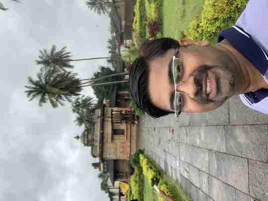 Dr. Sumit Deshpande's profile on Curofy