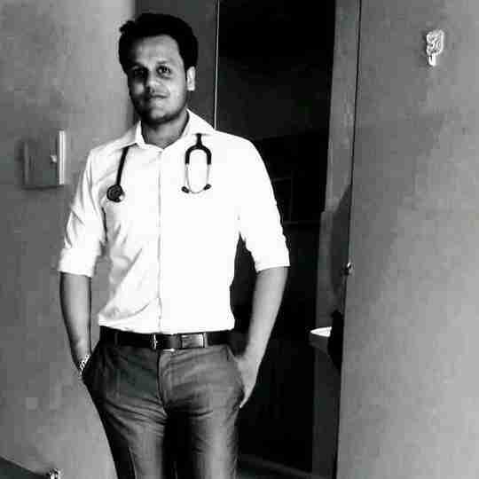 Dr. Vidit Saxena's profile on Curofy