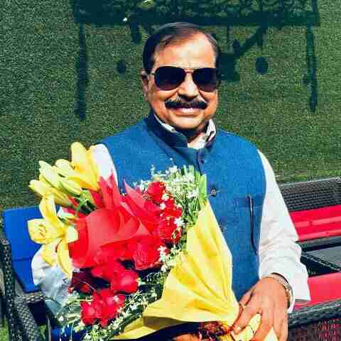 Dr. Dramrish Sharma's profile on Curofy