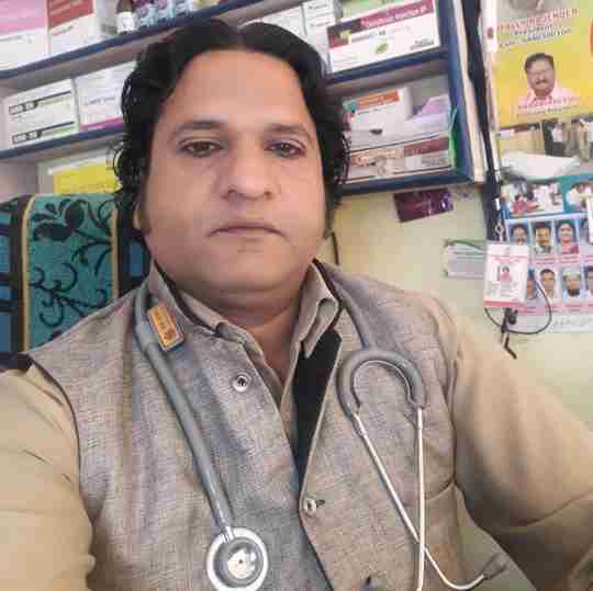 Dr. Fayyaz Ahmed's profile on Curofy