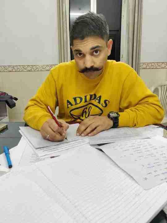 Dr. Sumit Sharma's profile on Curofy