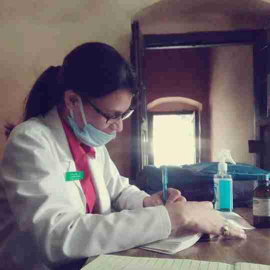 Dr. Meenakshi Raghav's profile on Curofy