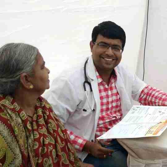 Dr. Ashlesh Tiwari's profile on Curofy