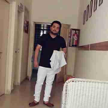 Dr. Vishal Thakur's profile on Curofy