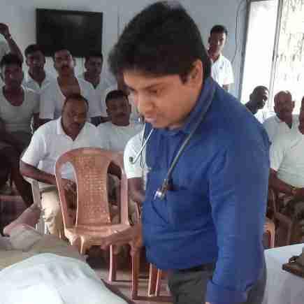 Dr. Viksit Jaipuriyar's profile on Curofy