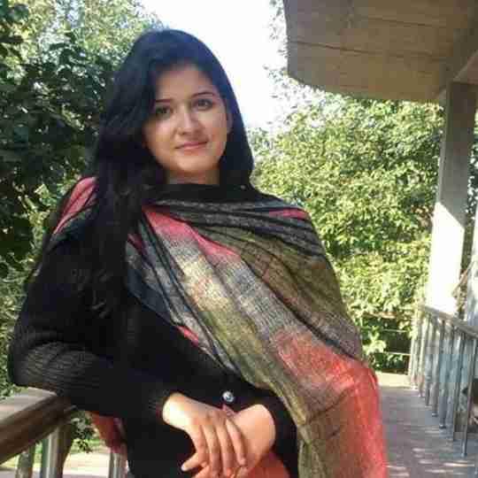 Monika Dhiman's profile on Curofy