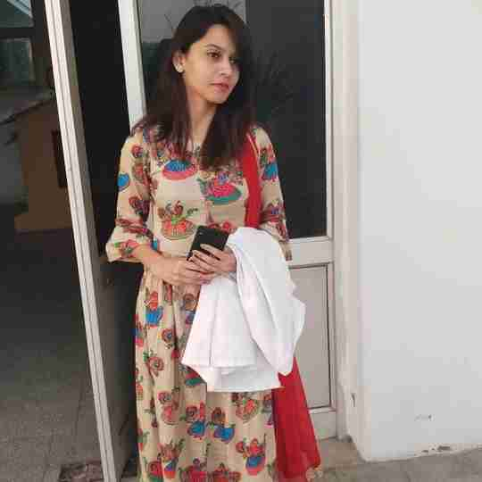 Dr. Savita Hans's profile on Curofy