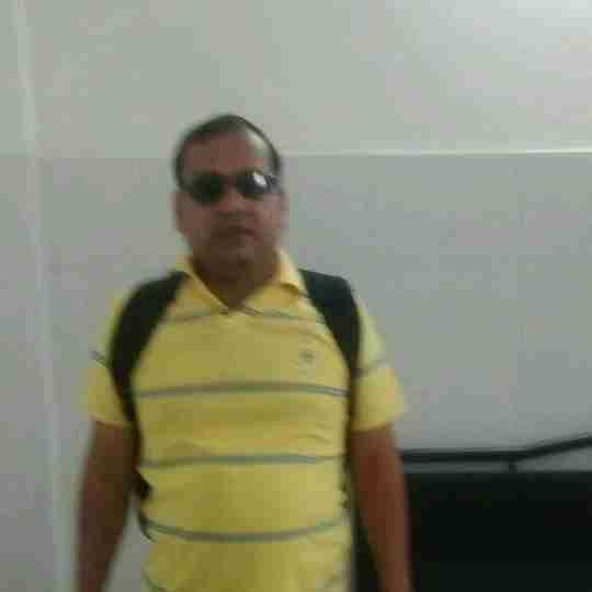 Dr. Santosh Singhal's profile on Curofy