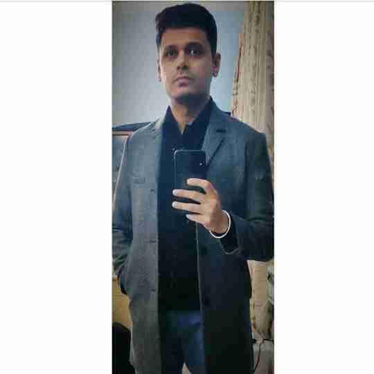 Dr. Ayush Chawla's profile on Curofy