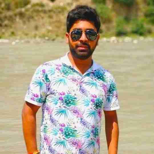 Ayush Saini's profile on Curofy