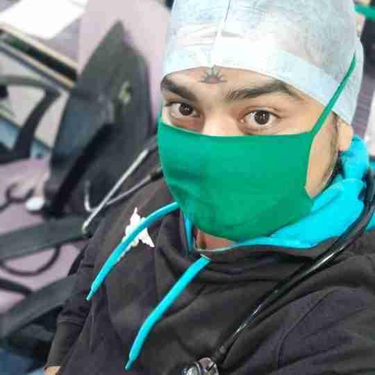 Dr. Vaibhav's profile on Curofy