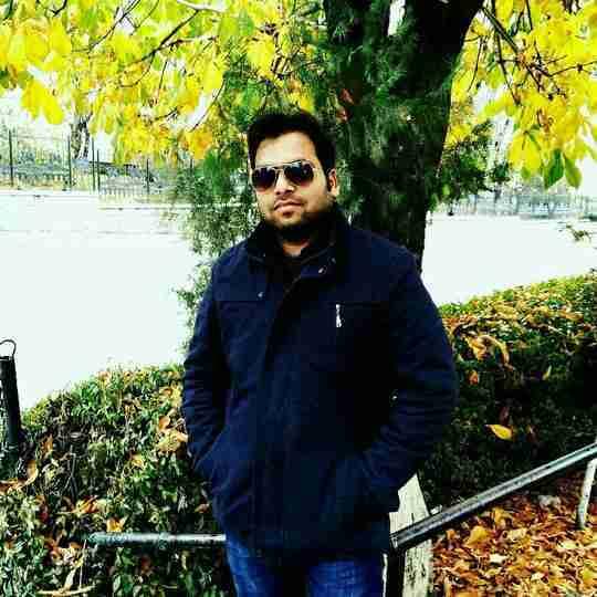 Dr. Rajneesh Naval's profile on Curofy