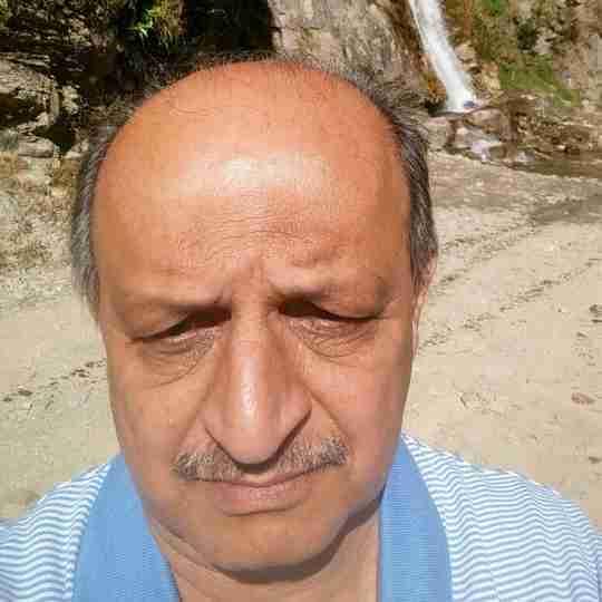 Dr. Mukesh Desai's profile on Curofy